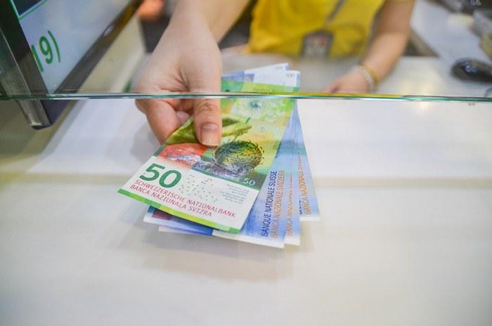 Kredyt w złotych waloryzowany kursem frankach szwajcarskiego – unieważnienie klauzuli waloryzacyjnej i unieważnienie całej umowy