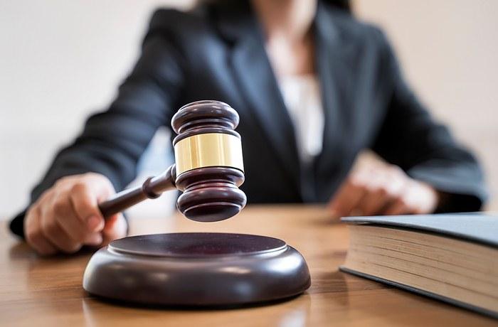 Sądowe zniesienie współwłasności − przyznanie nieruchomości jednemu współwłaścicielowi, z obowiązkiem spłaty pozostałych